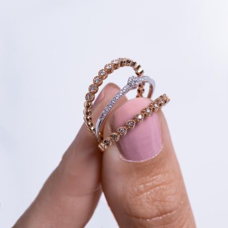 zarte stylische Ringe